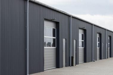 Stahlhallen – über 30 m breit und höher als 7,2 m