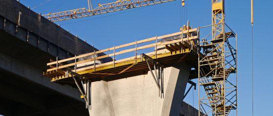 Endlich unabhängig vom Wetter: Schutzzelte für Straßenbau/Brückenbau